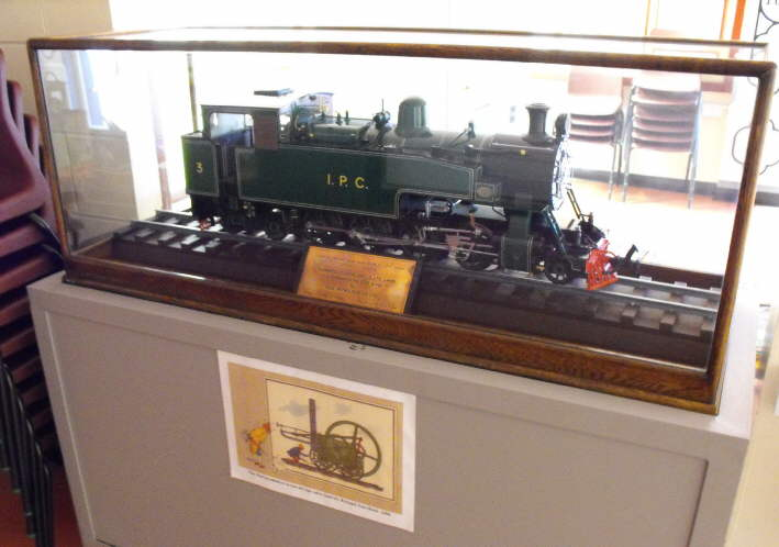 Model of Hudswell Clarke steam loco built for Iraq