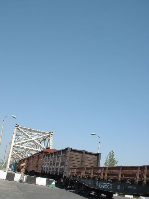 Freight train on the Friendship Bridge