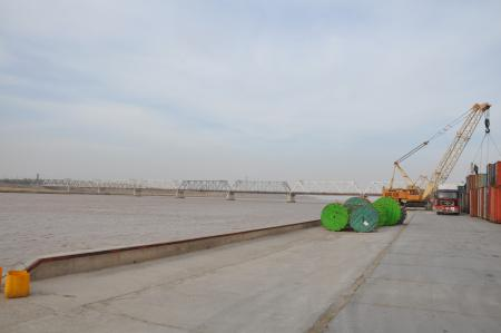 Photo of riverside quay at Hayratan port