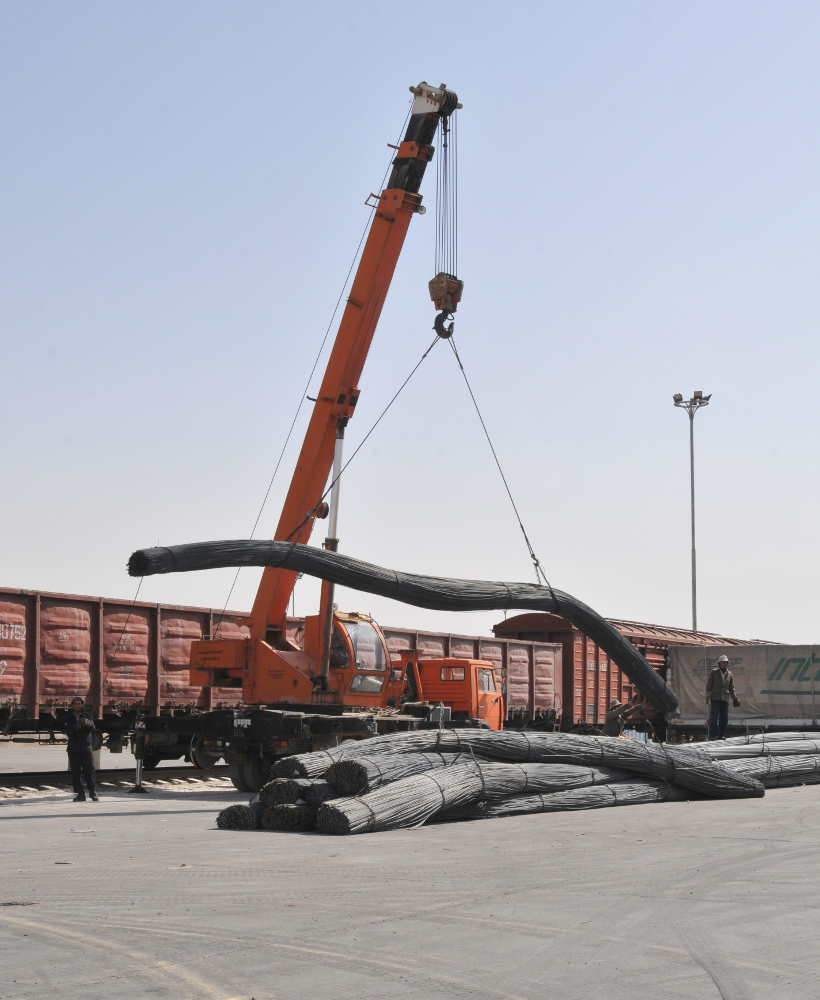Unloading railway wagon at Naibabad, Afghanistan (Photo: Sgt 1st Class Timothy Lawn, 1st Theater Sustainment Command Public Affairs, US Army/DVIDS)