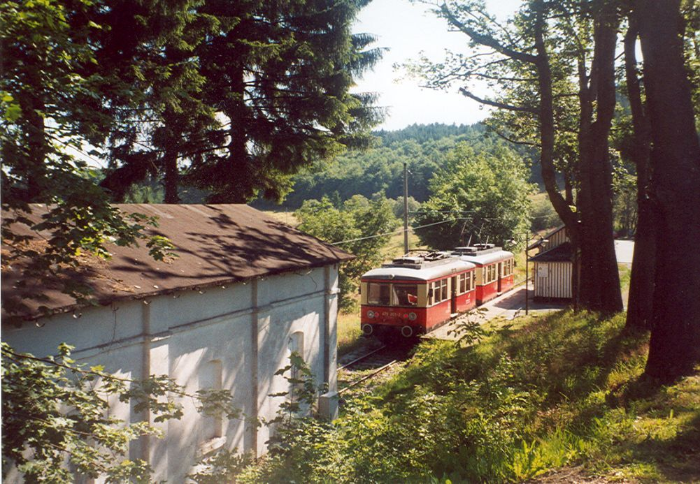 An electric train at Cursdorf, the end of the electrified branch from the top of the Oberweissbacher Bergbahn.