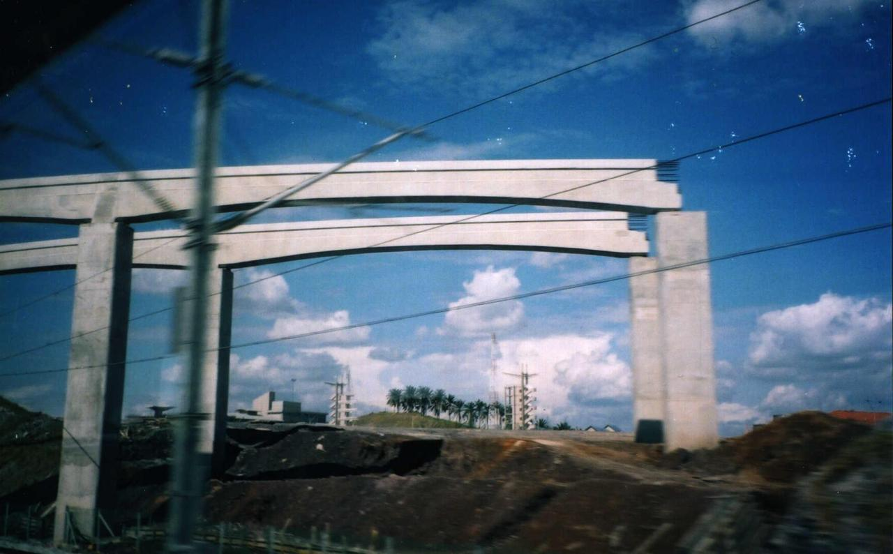 [Monorail beams under construction Putrajaya]